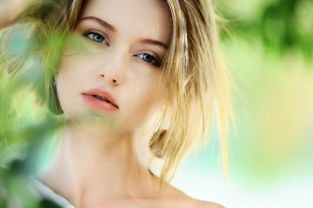 顔のテカリは原因が5つ!テカリを治すたった2つの方法とは