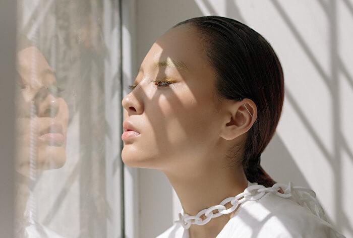 頬の角栓が気になる!頬の毛穴が目立つ理由と改善方法