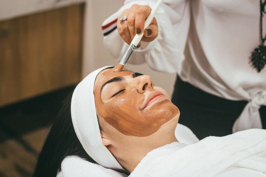 顔の毛穴の角栓を抜いてしまう人必見!正しい除去方法とNGポイント